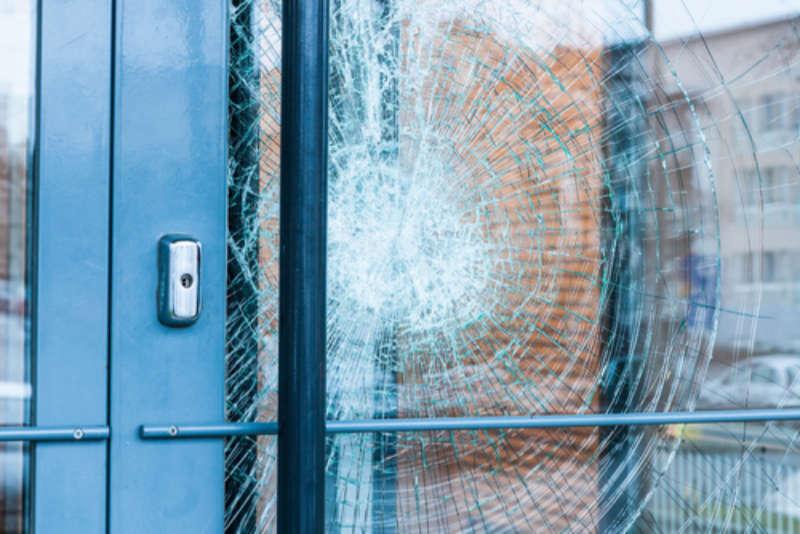 Glas Lunzer - Ihr Partner bei Glasbruch - Notfalldienst